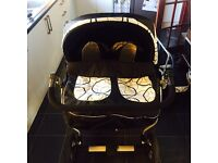 Twin pram good condition got to look