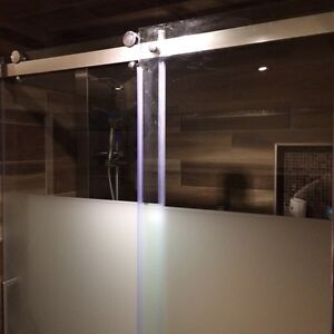 Glass shower doors only (with frost etching) -new West Island Greater Montréal image 6