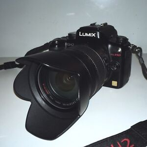 PANASONIC GH2 + LUMIX 14-140mm