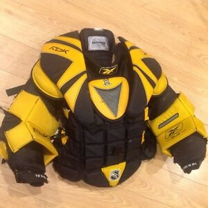 Goalie chest protector  - Junior L, Reebok 5k (Koho) London Ontario image 2