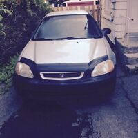 Civic 98, 1300$ négociable.