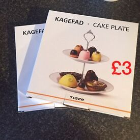 New boxed cake stands x 2
