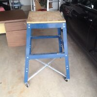 Steel table for power saw