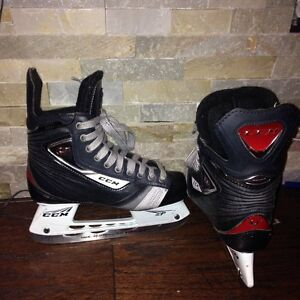 CCM Youth Skates