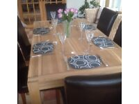 HIGH QUALITY SOLID HARDWOOD TABLE + 6 CHAIRS