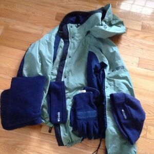 *REDUCED* Women's Columbia 3-1 jacket + accessories