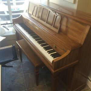 Baldwin Acrosonic - upright piano in great condition