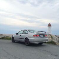 1999 Honda Civic DX coupe (2 door) - ONLY 170 kms!!!