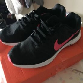 Size 7, Nike Downshifter trainers