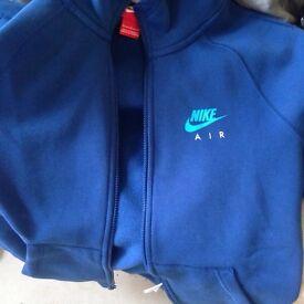Nike air hoodie small