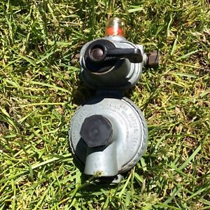 DUAL TRAILER PROPANE TANK REGULATOR
