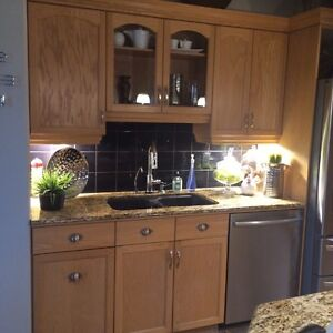 Kitchen cabinets buy sell items tickets or tech in for Kitchen cabinets winnipeg