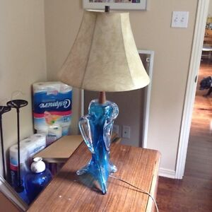 ANTIQUE CARNIVAL TABLE LAMP