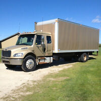 2004 Freightliner M2 Business Class with Bunk