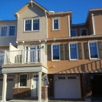 Newer Executive Townhome - Great Location - 2Bed+Den/2.5Bath!