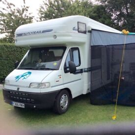 Motorhome autotrail Mohican 2001 4 berth large end bathroom.