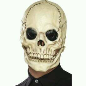 Skull mask with moving jaw