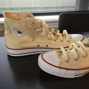 Converse All Star Brand New size 9.5