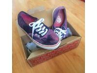 Purple tie dye vans size 4