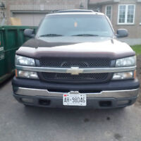 2003 Chevrolet Avalanche Grey Pickup Truck