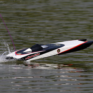 New RC Boat Brushless Electric Apparition Fiberglass Twin Hull Peterborough Peterborough Area image 3