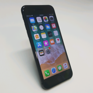 IPHONE 8 64 SPACE GREY COLOUR ON SALE WITH WARRANTY