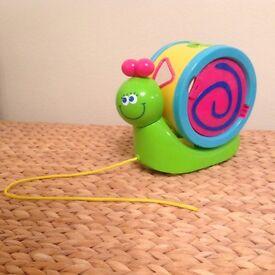 M&S Snail pull along shape sorter