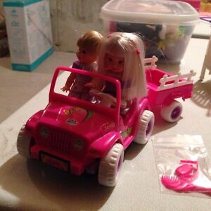 Barbies - toys - dolls & accessories