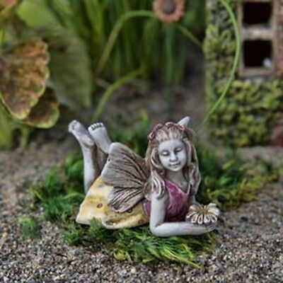 Miniature Dollhouse FAIRY GARDEN - Lily - Accessories