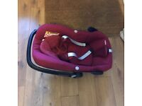 Maxi Cosi Pebble Baby Car Seat in Robin red