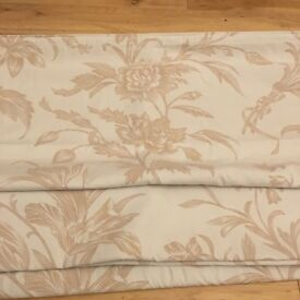 Laura Ashley Roman blind