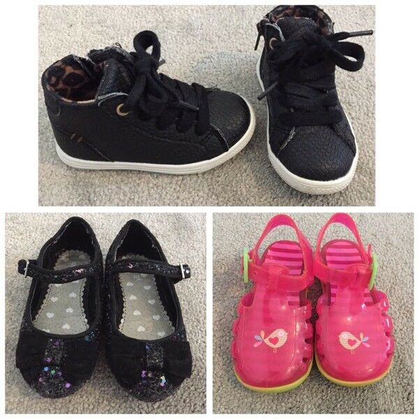 Girls Shoes Size 5