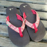 NEW Womens Size 7 - SANUK Sandals