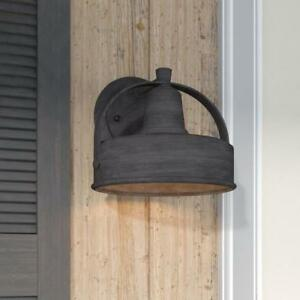 Outdoor barn light