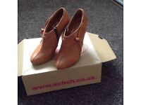 Schuh tan shoe boot size 4