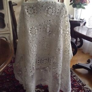 Vintage Hand Crocheted Table Cloth