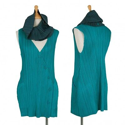 PLEATS PLEASE Vest Size 3(K-43102)