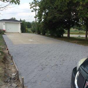 Concrete finishing crew Peterborough Peterborough Area image 1