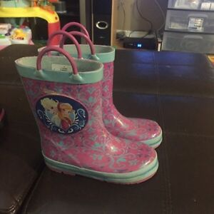 Size 10 frozen rain boots and size 11 winter boots  London Ontario image 1