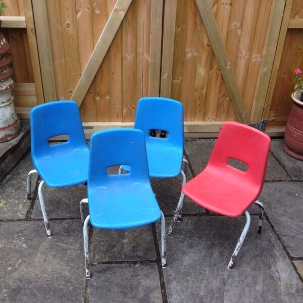 VINTAGE RETRO PLASTIC & METAL KIDS CHILDRENS SCHOOL NURSERY CHAIRS RED OR BLUE