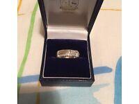 Mens 9ct White gold 23 diamonds wedding band