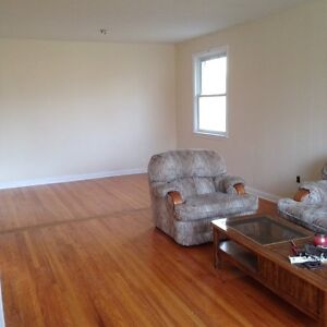 2 rooms available in a 5 bedroom house