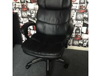 Leather desk/gaming chair massage and adjustable height