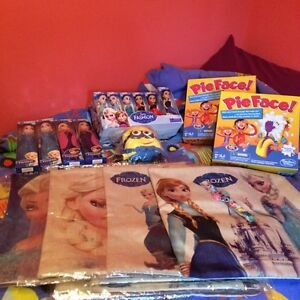 Lot d'article divers, Frozen, minion, ect