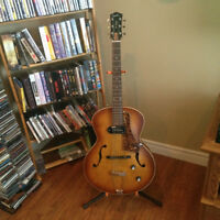 Godin 5th Avenue Hollowbody Acoustic/Electric with P90.