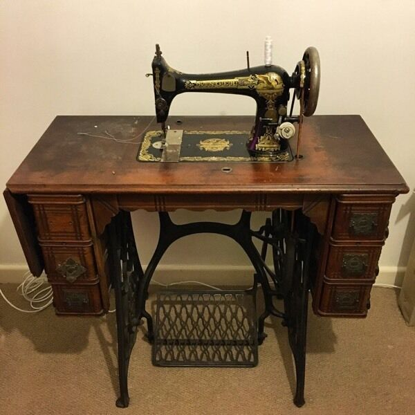 1894 Singer Sewing Machine With Treadle And Table