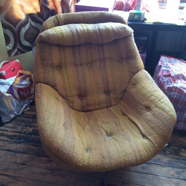Vintage 60s 70s Swivel Egg Chair