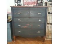 Large antique Georgian chest of drawers