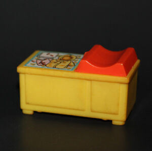 Vintage FISHER PRICE Little People 761 NURSERY CHANGING TABLE