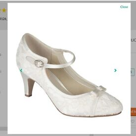 Pink by Paradox London Ivory satin & lace 'Cupcake' mid heel shoe